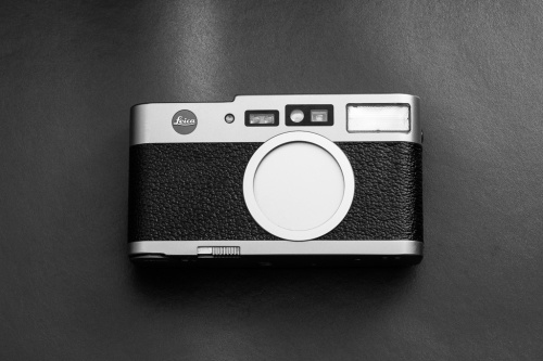 Leica CM front view in off position.