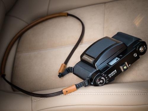 Deadcameras Allfit strap Fuji Fujifilm GF670 -2