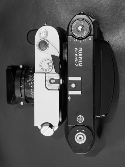 Deadcameras review Fuji Fujifilm GF670-14
