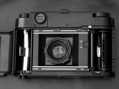 Deadcameras review Fuji Fujifilm GF670-6